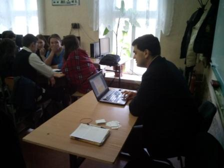 Ведущий Денис Гончар_руководитель интелл-го клуба Эрудит